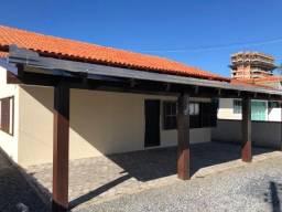 Casa em Porto Belo para aluguel anual com 3 Dormitórios