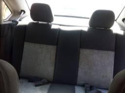 Carro - Fiesta Sedan
