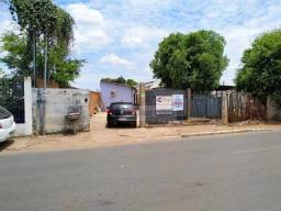 Kitnet com 4 dormitórios à venda, 100 m² por R$ 250.000,00 - Centro Sul - Várzea Grande/MT