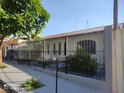 Casa à Venda em Cianorte, localizada na zona 2.
