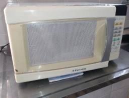 Microondas Electrolux ( Me21S ) R$59,90 / Pra consertar ou retirar peças