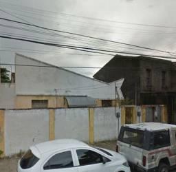 Quitinete de quarto e WC na Av. Visconde do Rio Branco, José Bonifácio