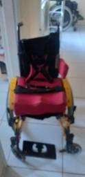 Vende se cadeira de rodas infantil