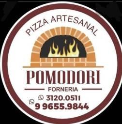 Título do anúncio: contrato pizzaiolo com experiência forno a lenha