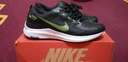 Tênis Nike novo, Tam.40