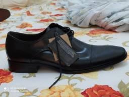 Título do anúncio: Sapatos democrata novo