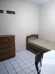 Aluga-se quarto para estudantes