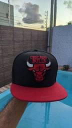 Título do anúncio: Boné aba reta Chicago Bulls