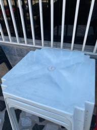 Título do anúncio: Boa noite Manaus temos no atacado mesa plástica cor branca nova pra restaurante