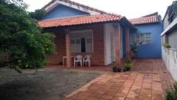 Casa em Itapoan garagem para sete carros