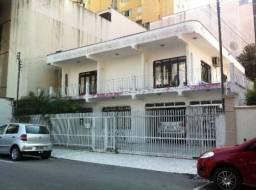 Casa central na rua 1926, próximo do Hotel San Felice,