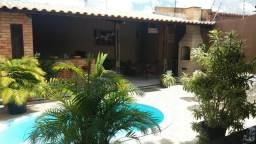 Excelente casa com piscina em Parnamirim, próx ao Centro