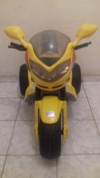 Moto elétrica infantil Magic toys