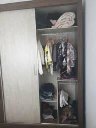 Guarda roupas todo em MDF