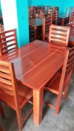 Mesas de 4 cadeiras novas