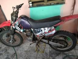 Vende se ou troca em moto baixa - 1996