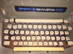 Máquina de escrever Sperry Remington