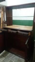 (P38) Arca / Armário de madeira bruta de lei em ótimo estado de conservação, também serve