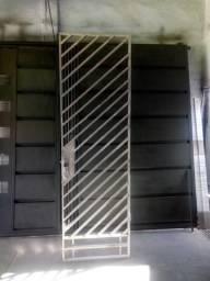 Vendo portão social para pedestres $230.00