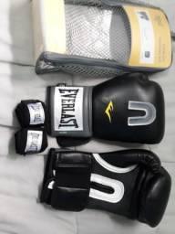 Vendo kit luvas de boxe novo
