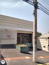 Alugo Excelente Casa Comercial no bairro Jardim dos Estados