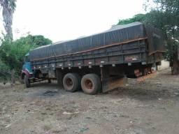 Vende caminhão  em bom estado