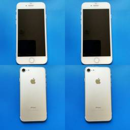 Vende-se iPhone 7 Prateado 32gb + carregador(Semi-novo)