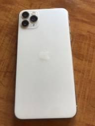 Título do anúncio: Vendo iPhone 11 max ( Não aceito troca, somente dinheiro ).