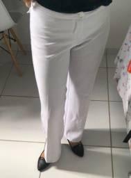 Título do anúncio: Calça branca de viscose tamanho M