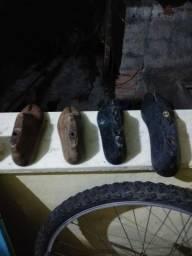 Título do anúncio: Vendo forma de sandálias