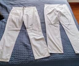 Título do anúncio: Calças Brancas Masculina tam 44 - sem uso