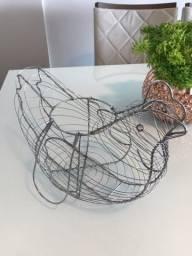 Título do anúncio: Porta ovos em formato de galinha em Inox