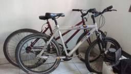 Bicicleta cromada boa