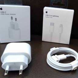 Carregador Apple Saída USB-C + Cabo USB-C para Lightning Apple 1 metro