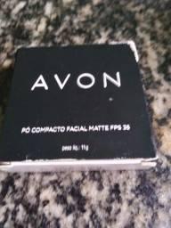 Pó compacto da Avon.