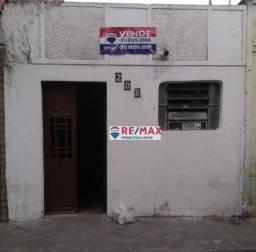 Título do anúncio: Casa com 1 dormitório à venda, 48 m² por R$ 200.000,00 - Maurício de Nassau - Caruaru/PE