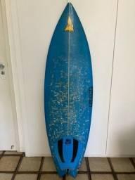 Título do anúncio: Prancha de surf tamanho 5,6.