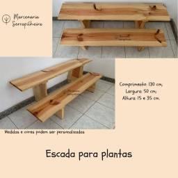 Título do anúncio: Escada suporte para plantas - em pinus