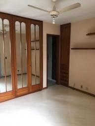 Apartamento duplex 2 quartos com dependência completa e vaga de garagem no Flamengo