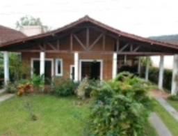 Casa Ubatuba 3 dorm condominio fechado 90 mts do Mar