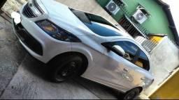 GM Prisma LT 2015 troco por kwid - 2015
