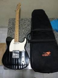 """Vendo essa guitarra """"Memplis"""" em Manacapuru"""