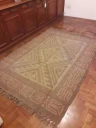 Vendo tapete Kilim conservado, trançado único.
