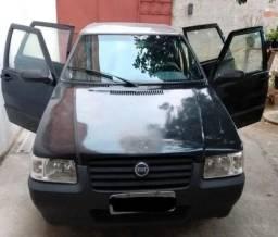 Fiat Uno 2004/2005 Preta 4 Portas, Básica - 2004