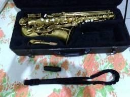 Saxofone alto Eb