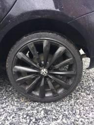 Vendo roda 17 com pneu 205 40