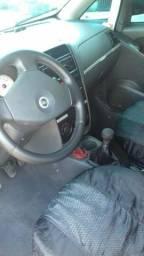 Troco por carro financiado - 2006