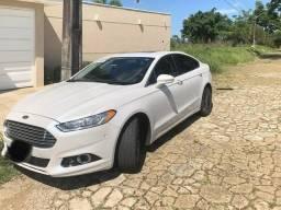 Ford Fusion (top de linha) - 2014