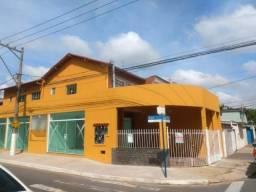 Simone Freitas Imóveis - Aluga-se sala comercial no Aterrado - Volta Redonda