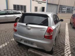 Etios Toyota XS 1.3 2013 36.600km, estado de zero km - 2013
